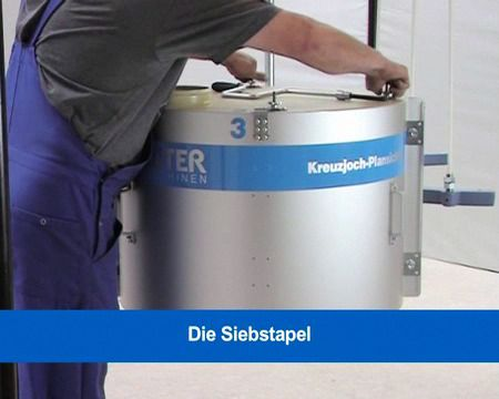 Video-Anleitung Anleitungen zum Kreuzjoch-Plansichter: Siebstapel öffnen, einstapeln und schließen.